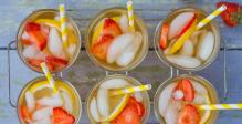 IJsthee-zwarte-thee-perzik-aardbeien